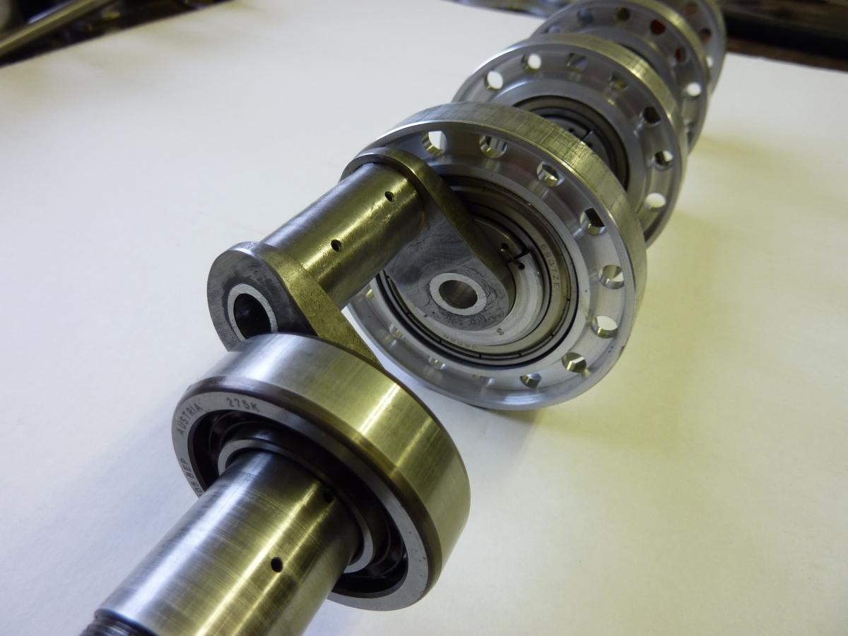 crankshaft built up from 16 pieces and fitted with ball bearings.jpg