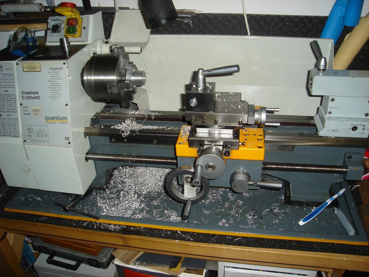 draaiwerk van de cilinderkop en draaibank 004.jpg