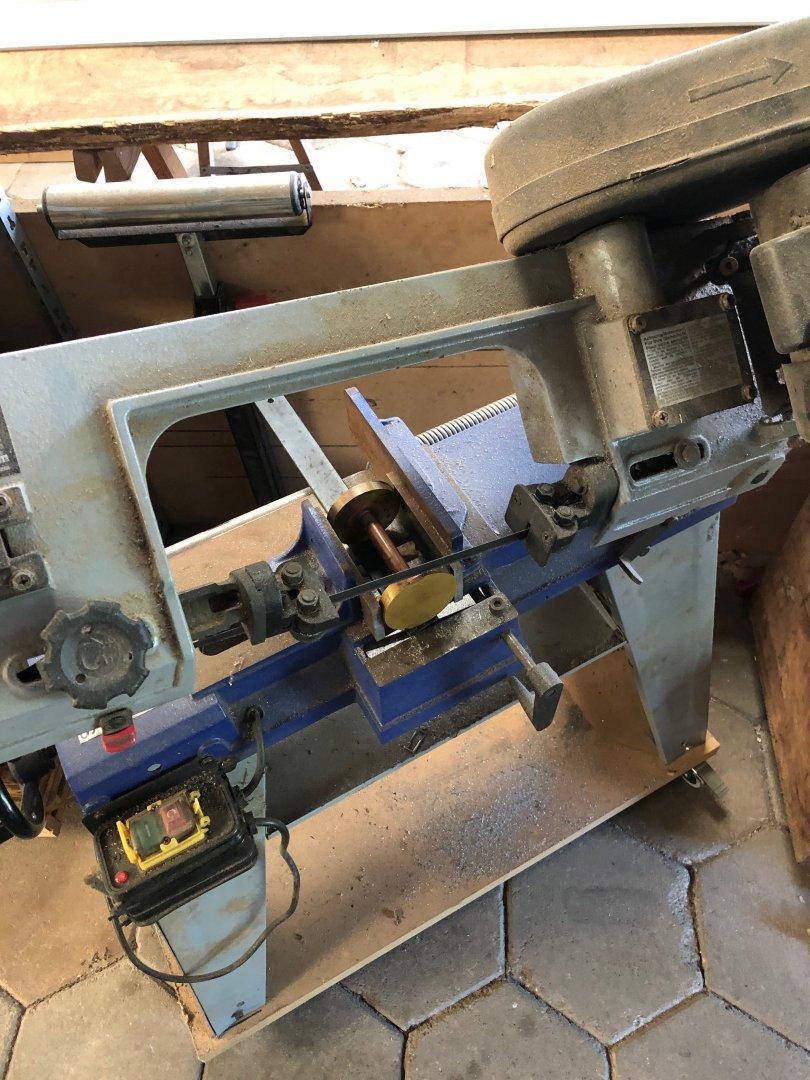 Dumbbel in sawing machine.jpg