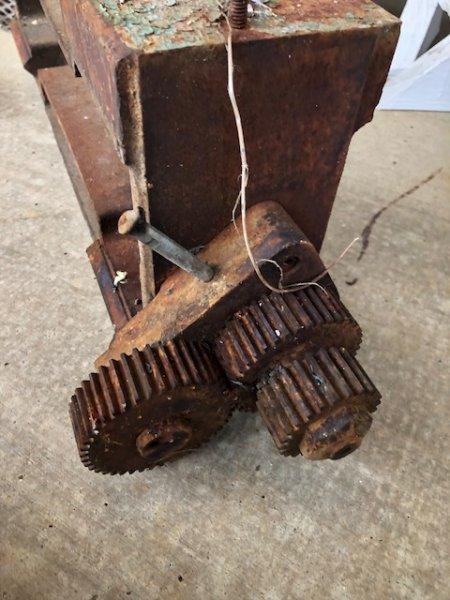 gears riser block head 1A.jpg