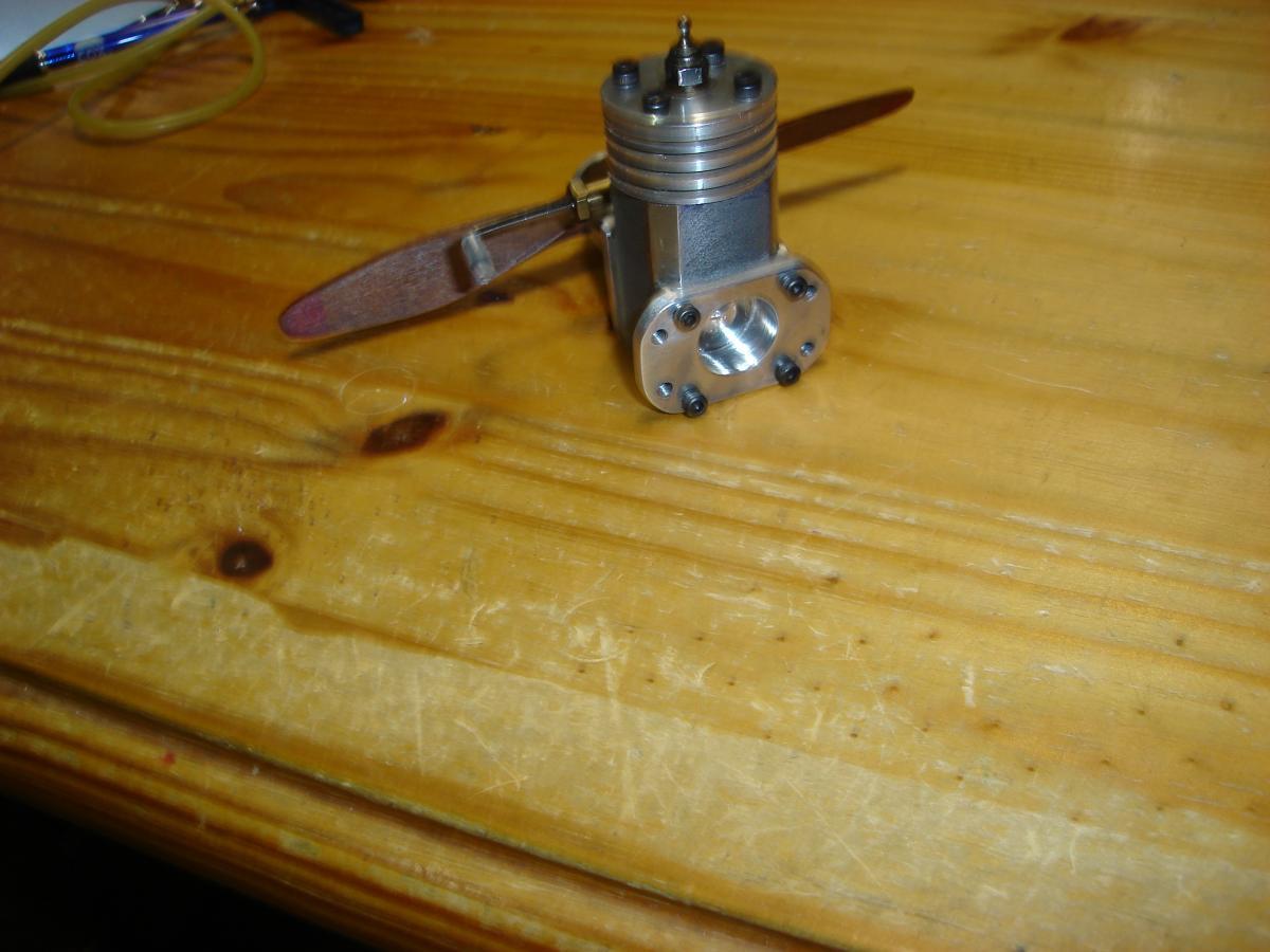 MP 3.2 cc model glow engine 001.jpg
