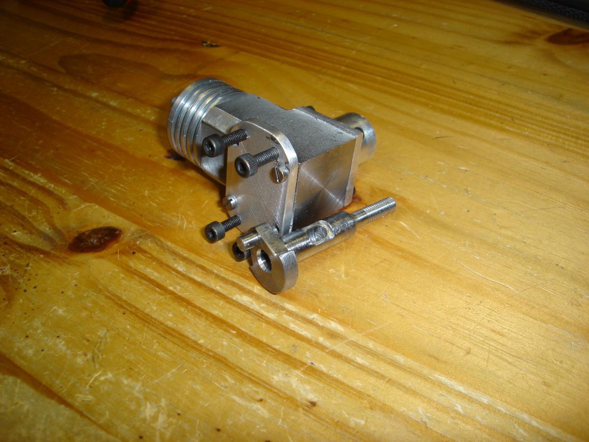 MP 3.2 CC model glow engine 013.jpg