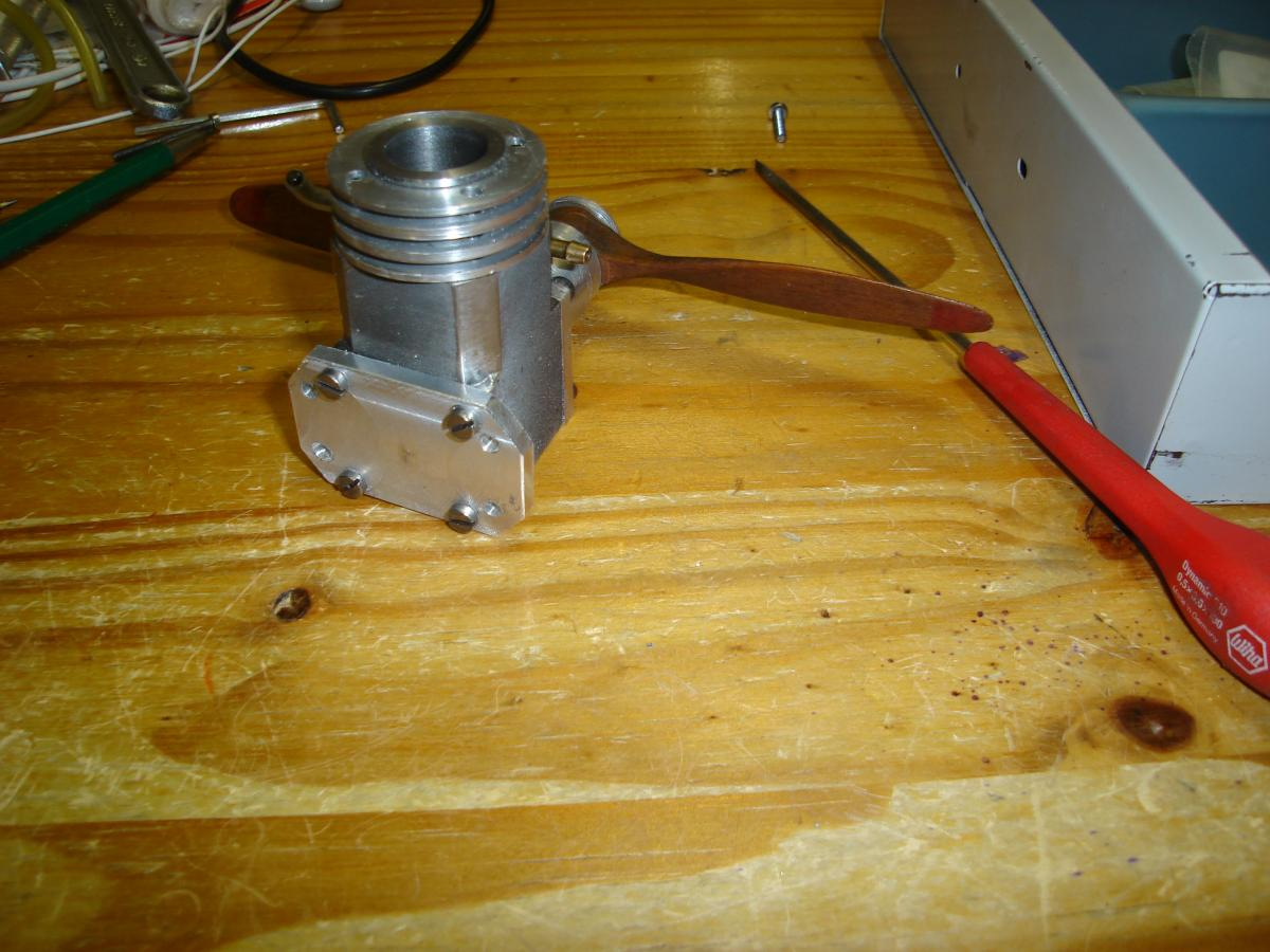 MP 3,2 cc Model Glow Engine Built 012.jpg