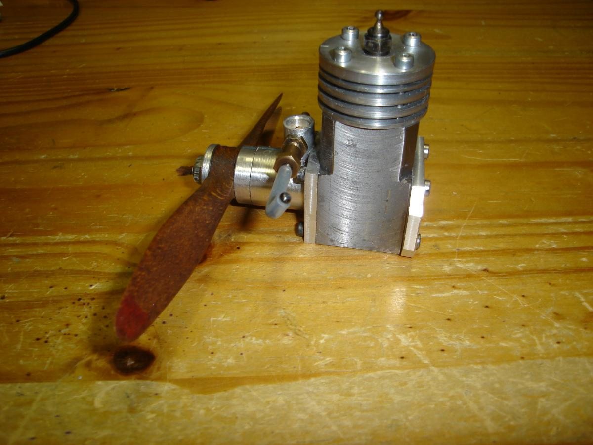MP 3,2 cc Model Glow Engine Built 016.jpg
