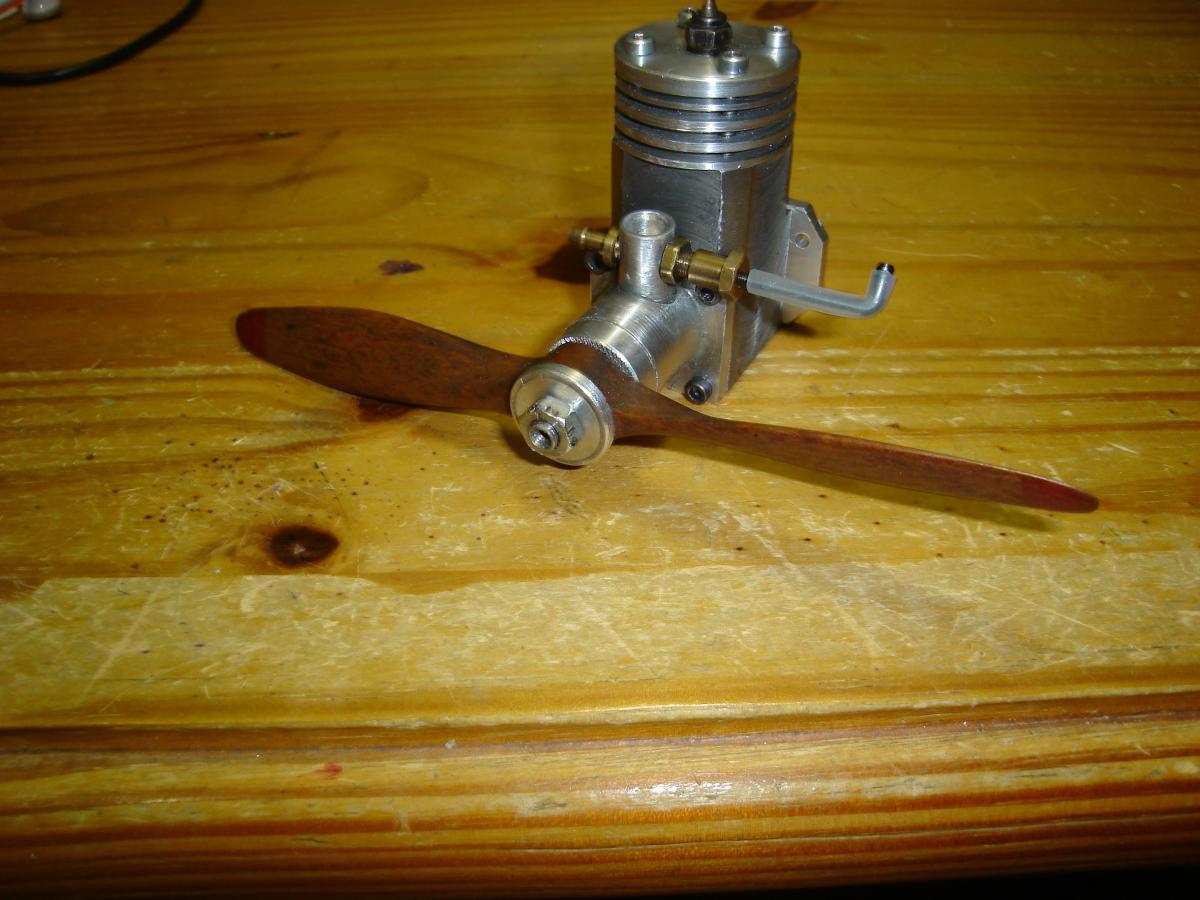 MP 3,2 cc Model Glow Engine Built 018.jpg