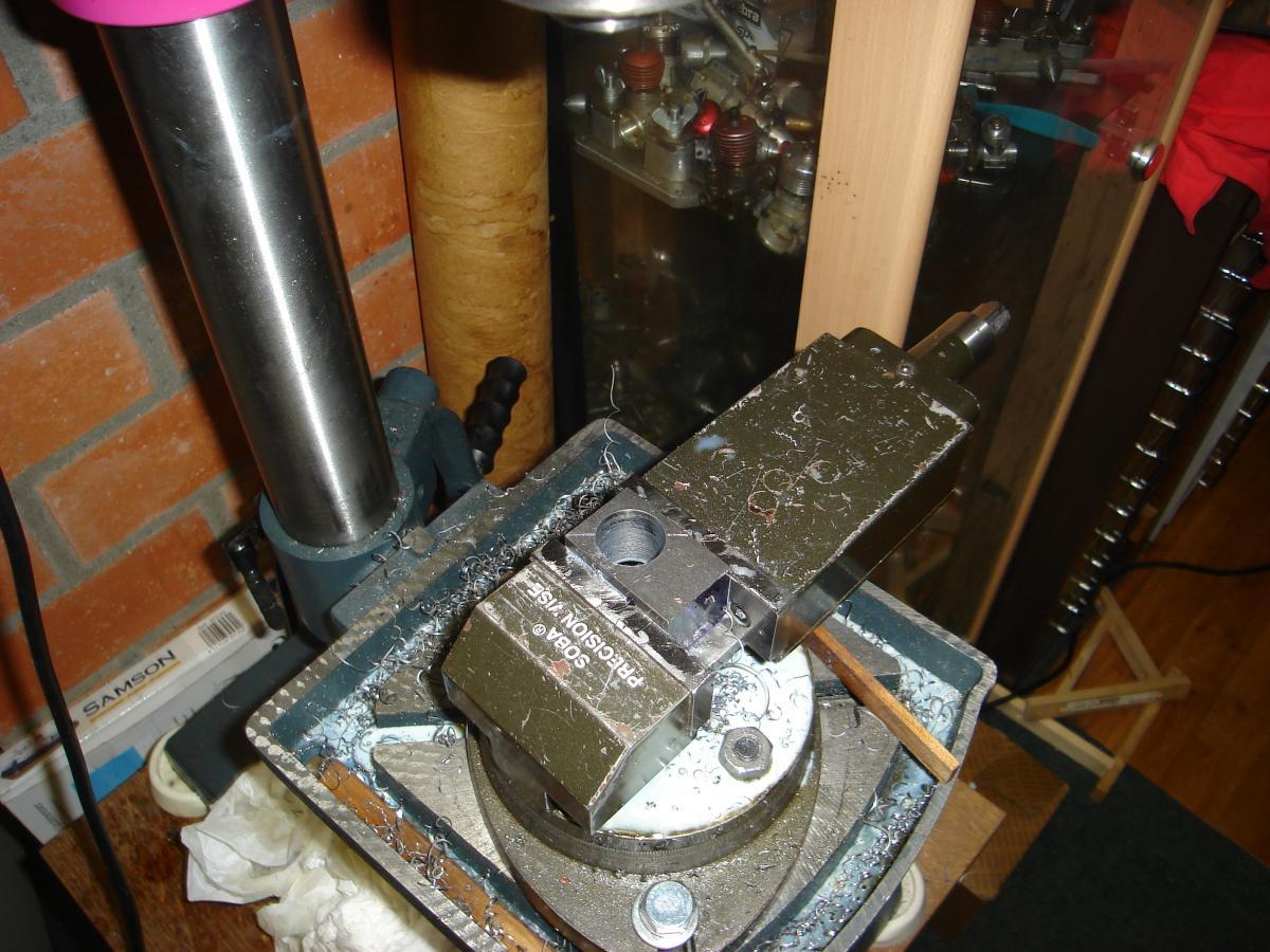 MP 3,2cc model engine built 008.jpg